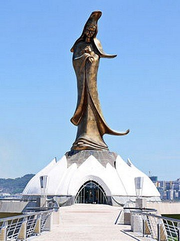 statues23.jpg