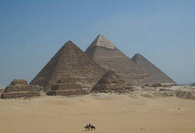 pyramidesgiseh3