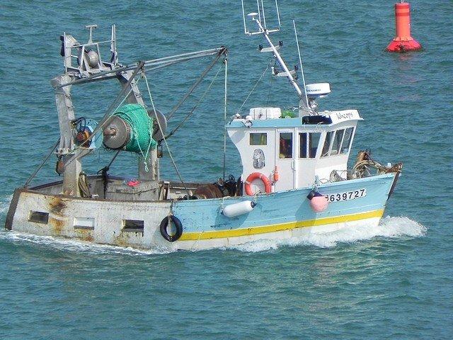 bateau de peche breton