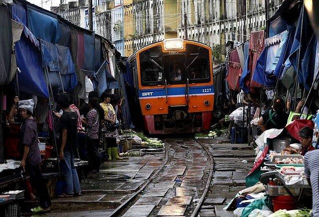 MARCHE THAILANDAIS dans INSOLITE marchethai