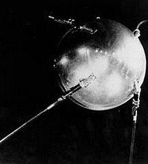 CA S'EST PASSE UN 4 OCTOBRE dans JOUR ANNIVERSAIRE satellite