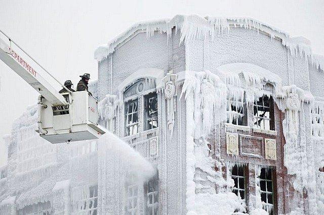 FEU ET GLACE dans INSOLITE glace1
