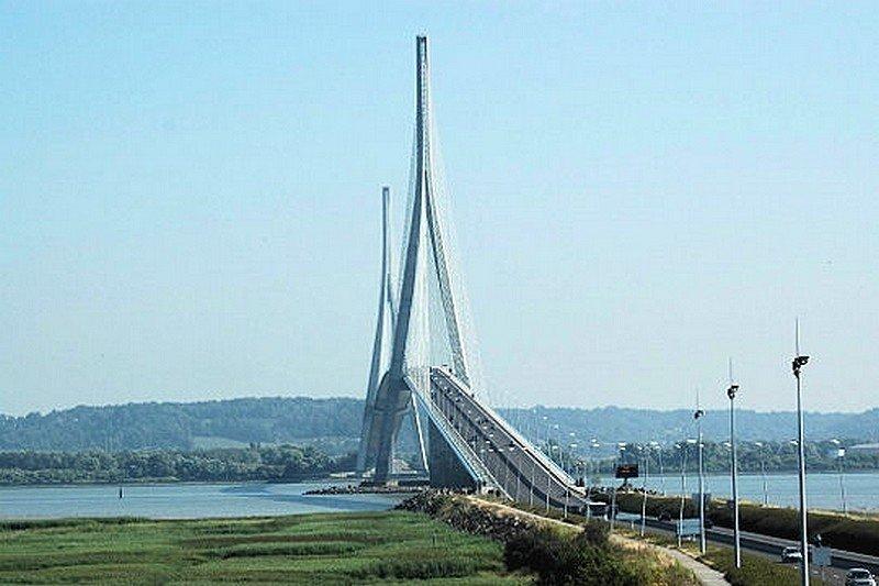 LE PONT DE NORMANDIE dans LES PLUS GRANDS PONTS DU MONDE pont7