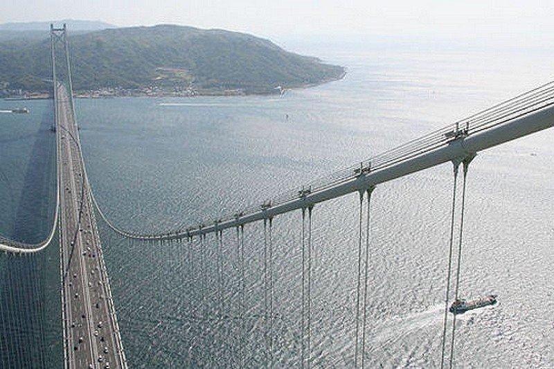 LE PONT AKASHI-KAIKYO dans LES PLUS GRANDS PONTS DU MONDE pont9