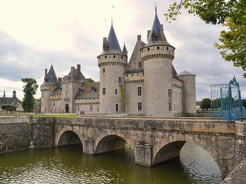 CHATEAU DE SULLY-SUR-LOIRE dans CHATEAUX chateau-