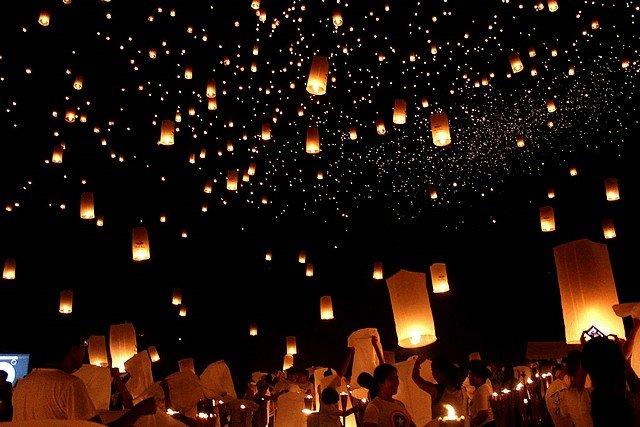 LAMPIONS DANS LE CIEL dans INSOLITE philippins