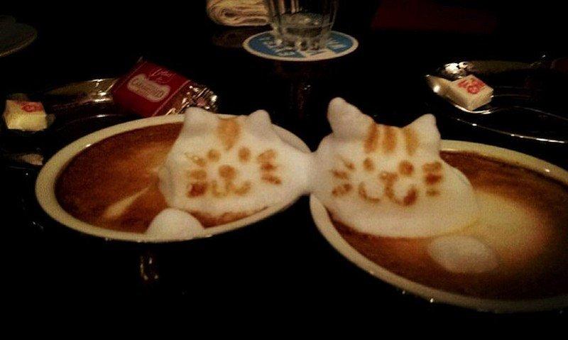 PERSONNAGES EN MOUSSE DE CAFE EN RELIEF dans ART mousse-