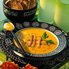 SOUPE DE COURGE AUX CROUSTILLANTS DE POTIRON dans CUISINE GOURMANDE soupe1