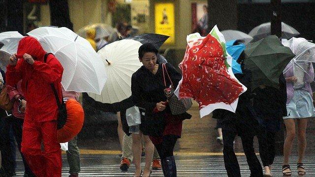 MENACE dans INSOLITE typhon2